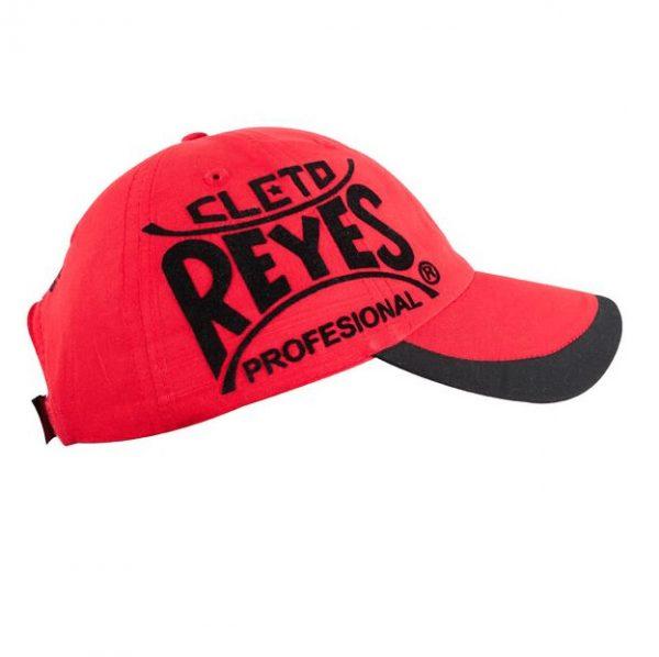 Gorra roja Cleto Reyes